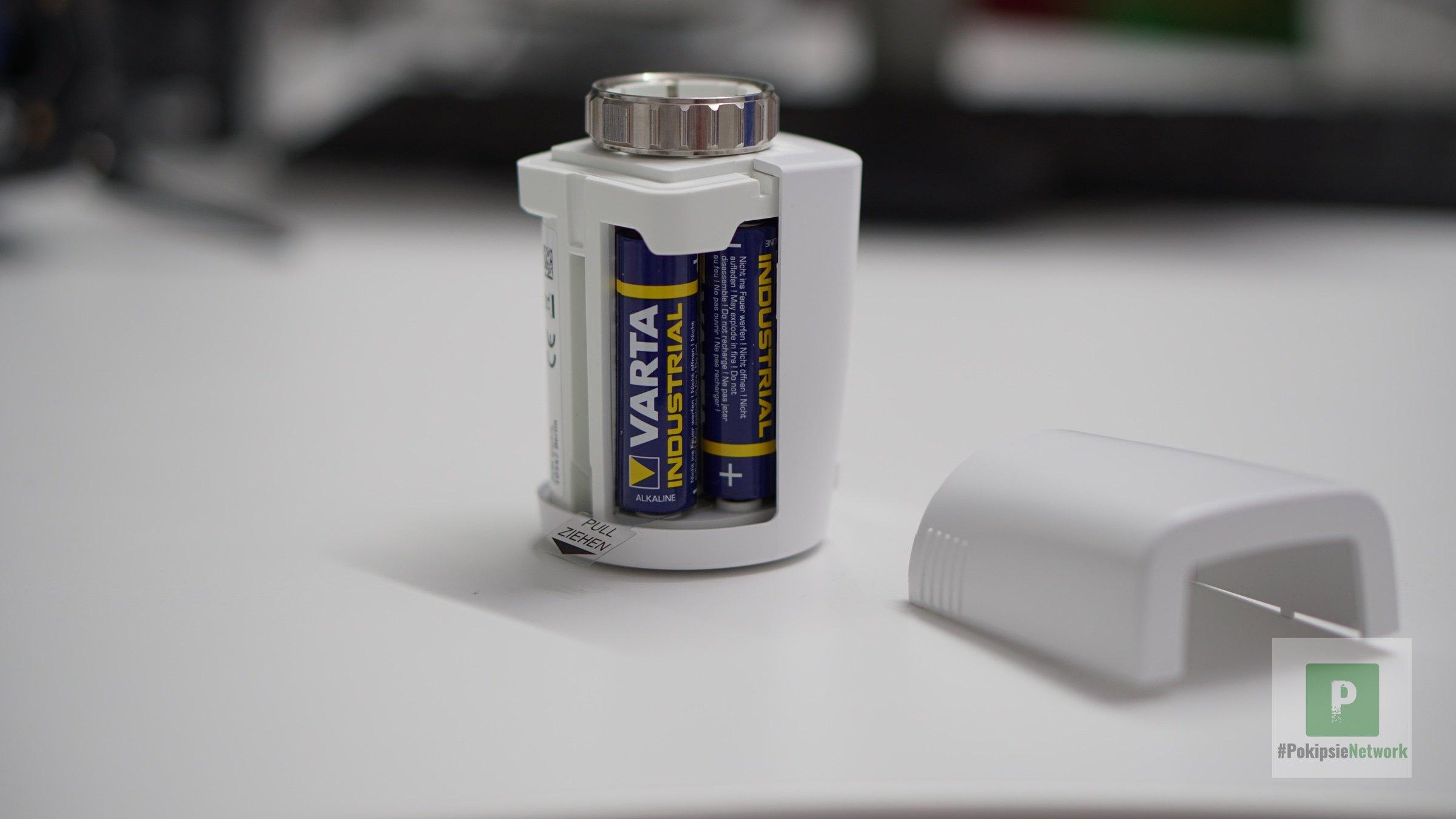 Die beiden AA-Batterien