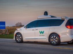 Waymo: Autonomes Taxi