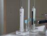Die Zahnbürste mit den Schwingungen