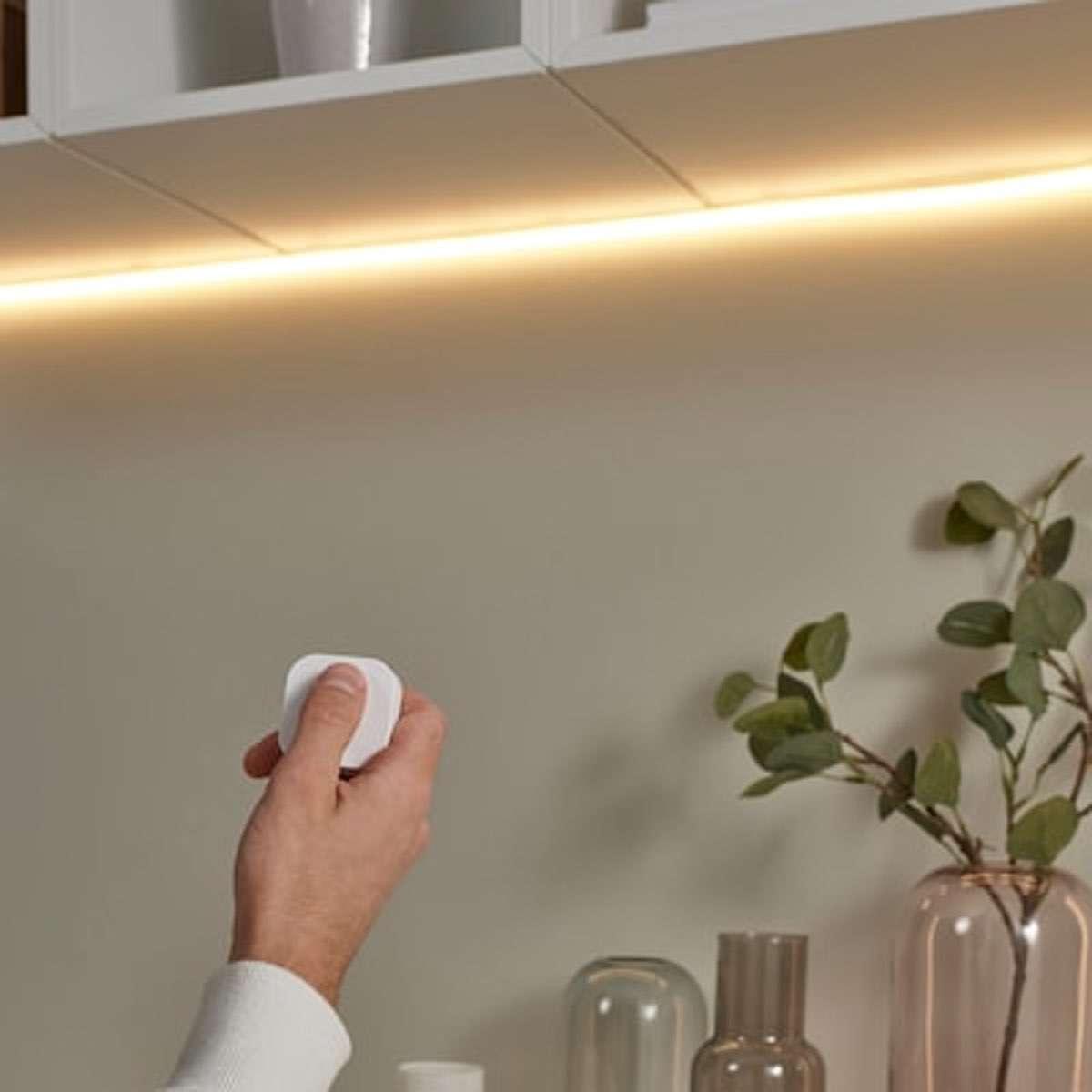Beleuchtung unter Möbeln